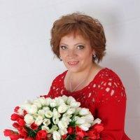 женщина в красном :: Светлана Краснова