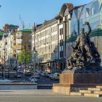 Владивосток, площадь борцам за власть советов :: Эдуард Куклин