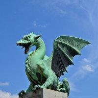 Любляна. Один из драконов, охраняющих мост :: Татьяна Ларионова