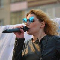 Девушка с микрофоном :: Андрей + Ирина Степановы