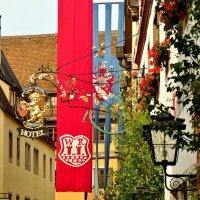 Праздничные  гербы и флаги в  Ротенбург  на Таубере :: backareva.irina Бакарева