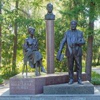 Памятник семье Гумилевых – Ахматовой :: Галина Каюмова
