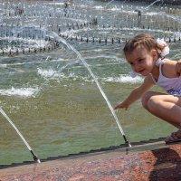 У фонтана в городе Гомель, Беларусь :: Игорь Сикорский