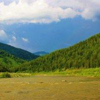 В горах идут дожди :: Сергей Чиняев