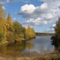 Осень на озере :: Татьяна Георгиевна