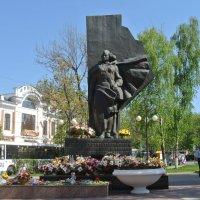 Памятник медицинским работникам :: Лариса Вишневская