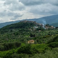 Тоскана. Городок в горах. :: Надежда Лаптева