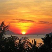 Я любуюсь тобой, потому что ты самая великолепная красота природы – закаты и рассветы, моря и горы! :: Вадим Якушев