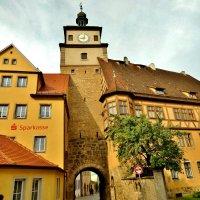 Белая  башня самая старинная  в Ротенбурге :: backareva.irina Бакарева