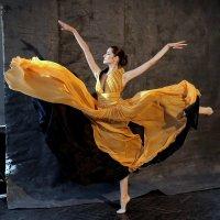 Танец :: Сергей Сёмин