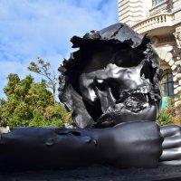 Монако. Скульптура  возле Океанографическогоо музея :: Татьяна Ларионова