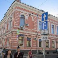 Старинное здание :: Дмитрий Никитин