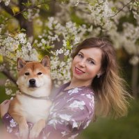 Девушка с собакой :: Лариса Чайка