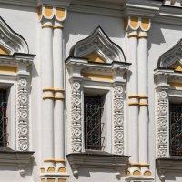 Екатерининская церковь (фрагмент), Дмитровский кремль :: Владимир Брагилевский