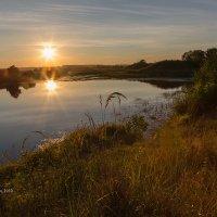 Закат на озере :: Александр Синдерёв
