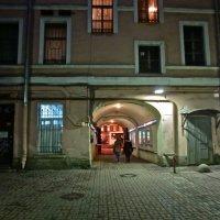 ночной двор на Невском :: Елена