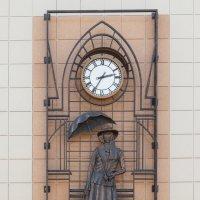 Часы на Театральной улице г.Калуга. :: Светлана Крюкова
