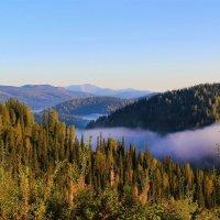 Утро в горах :: Сергей Чиняев