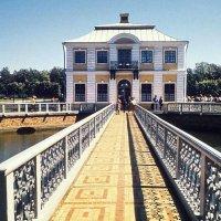 Дворец Марли  и пруд. :: Владимир Бочкарёв