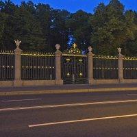 Лучшая в мире ограда! :: Senior Веселков Петр