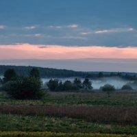 Нас встретило утро туманом :: Владимир Максимов