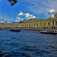 Катера на Фонтанке реке... :: Sergey Gordoff