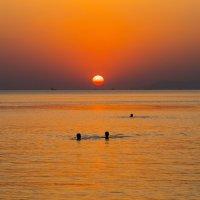 Закат на черном море. :: Владимир Лазарев
