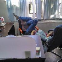 Уютный офис, дружный коллектив :: Андрей Николаевич Незнанов