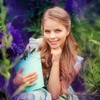 Девочка с люпинами :: Марина Зотова