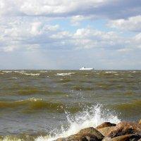 Ветер п0 морю гуляет и кораблик подгоняет... :: Лия ☼