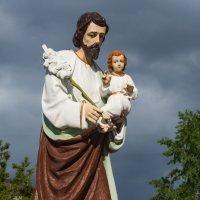 У церкви Святого Иосифа Обручника :: Ayse 1