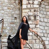 Victoria :: Sacha Bouron