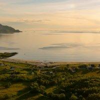 Норвежская деревенька на берегу Норвежского моря. Белые ночи севера - фото в 2 часа ночи :: Инта