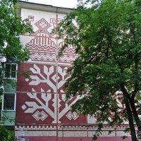 Мозаика на стене жилого дома. Советское наследие. :: Лариса Вишневская