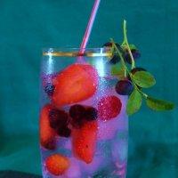 холодный напиток в жару :: Владимир