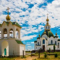 Храм на берегу озера Донузлав :: Андрей Козлов