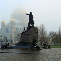 На площади :: Сергей Григорьев
