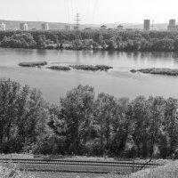 Вид с правого берега :: Валерий Михмель