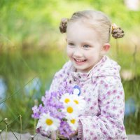 Девочка с ромашками :: Юлия Яковлева
