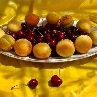 Черешнево-абрикосовый десерт :: Нина Корешкова