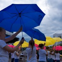 Танец с зонтиками :: Валерий Михмель
