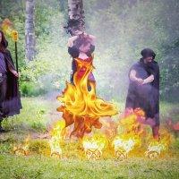 Сожжение ведьмы на костре. :: Александр Лейкум