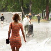 Убегаем от дождя... уже пол лета. :: Ольга