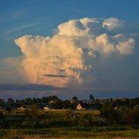Огромное облако :: Юрий Фёдоров