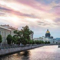 Рассвет над Исаакиевским собором :: Юлия Батурина