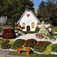 Сказочные цветочные феи и их домик... :: Тамара Бедай