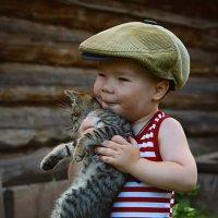 Малыш и котик. :: Ирина Лежнева