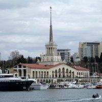 Любимые места Сочи. Морской вокзал. :: Elena Izotova