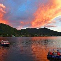 Закат над Телецким озером :: Nina Streapan