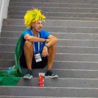 Бразилец в ожидании матча. :: Ольга Зубова